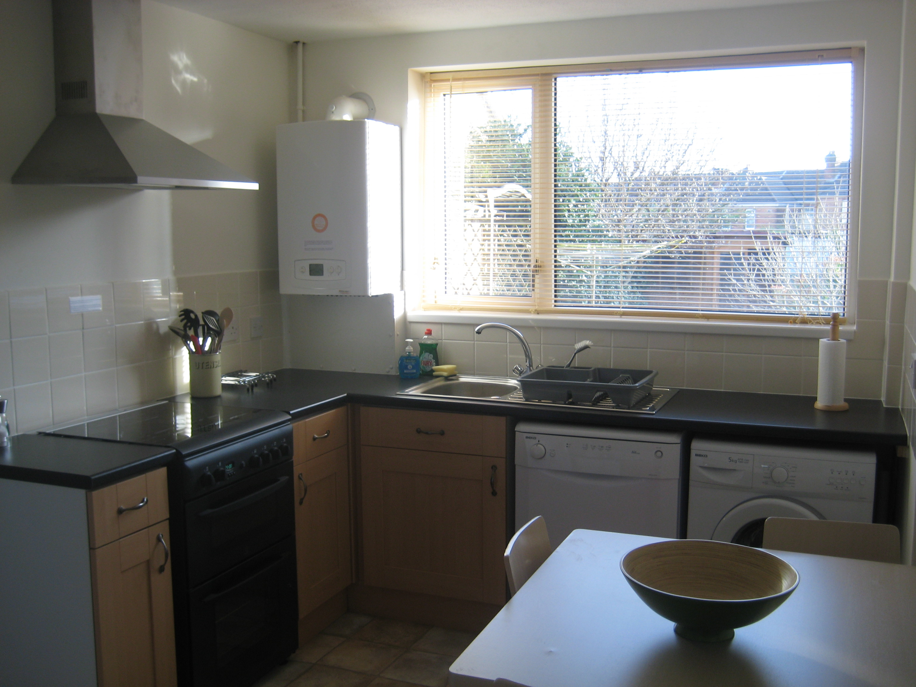 Large double room in newly refurbished house on Albert Road, Parkstone