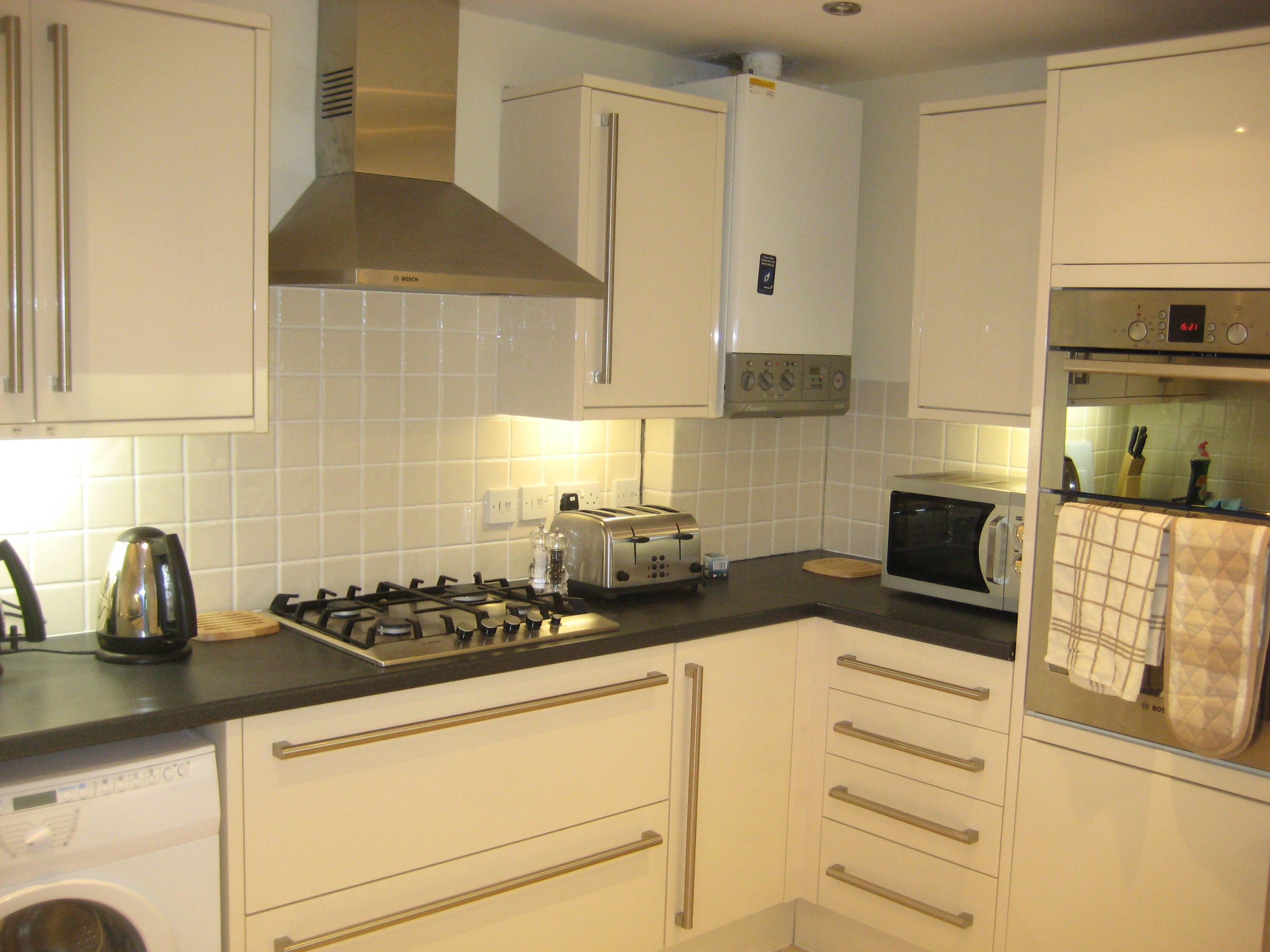 Lovely double room on Rossmore Road, Parkstone