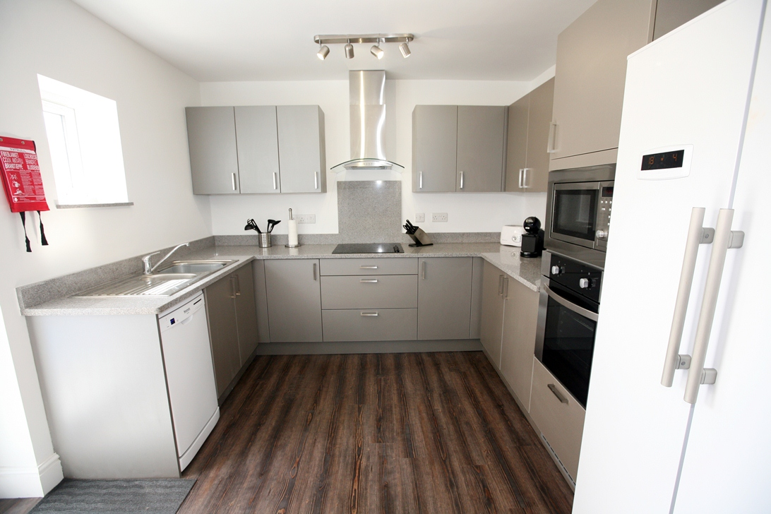 Double room in Lower Parkstone, Hardy Rd