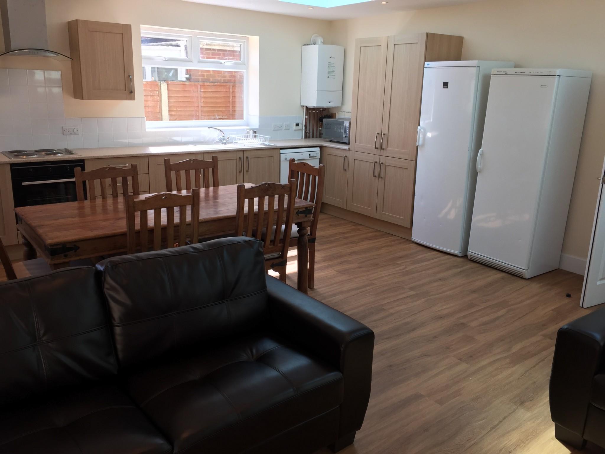 Beautiful 6 double bedroom student property
