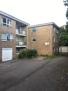Beautifully presented two bedroom flat in Redhill