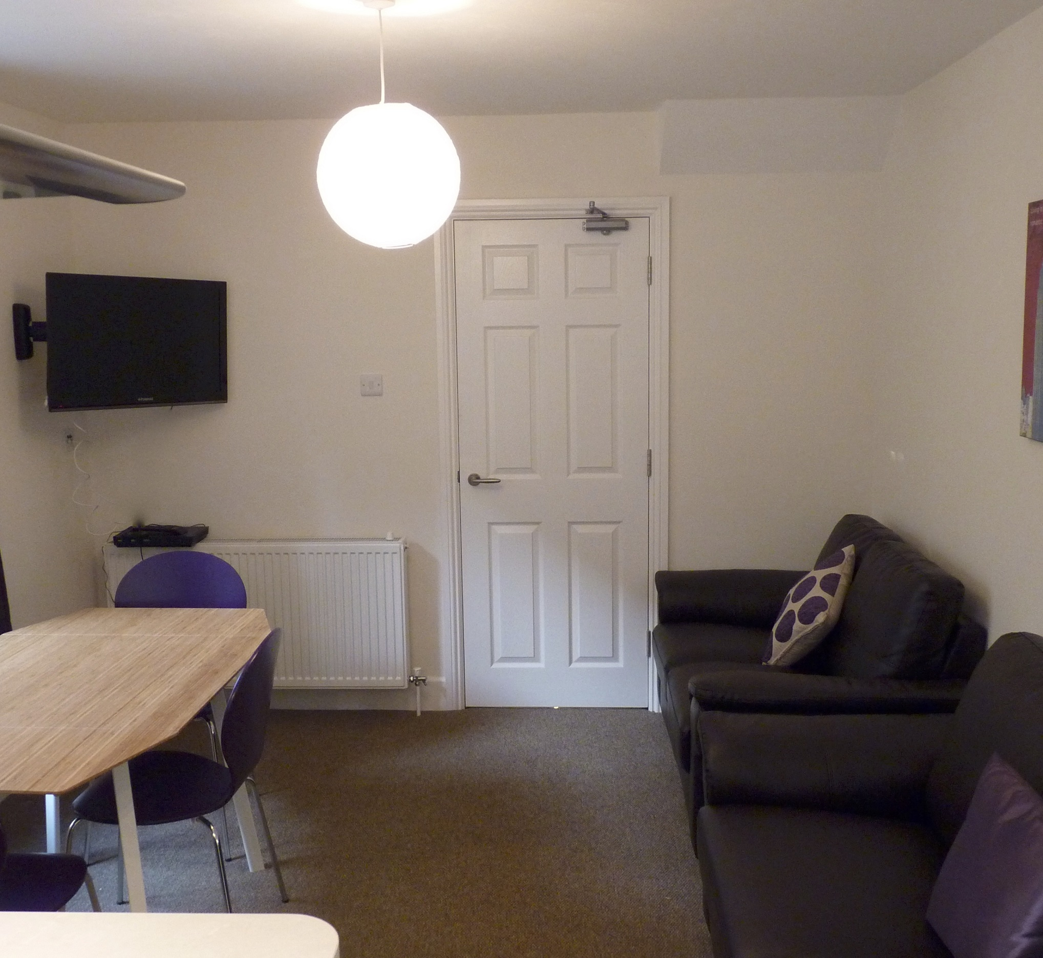 Small double room available near Poole Centre – Garland Road